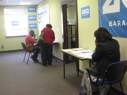 032912 WomenforObama_NCphonebank6