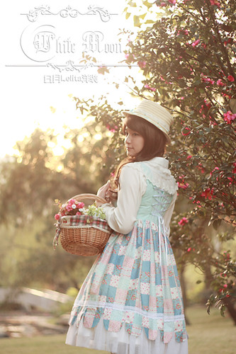 White_moon_square_neckline_summer_coutry_style_with_blue_checks_lolita_dress_12