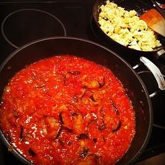 vegetable, tomato sauce, meat, food, dish, cuisine,