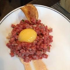 produce(0.0), corned beef(1.0), steak tartare(1.0), food(1.0), dish(1.0), cuisine(1.0),