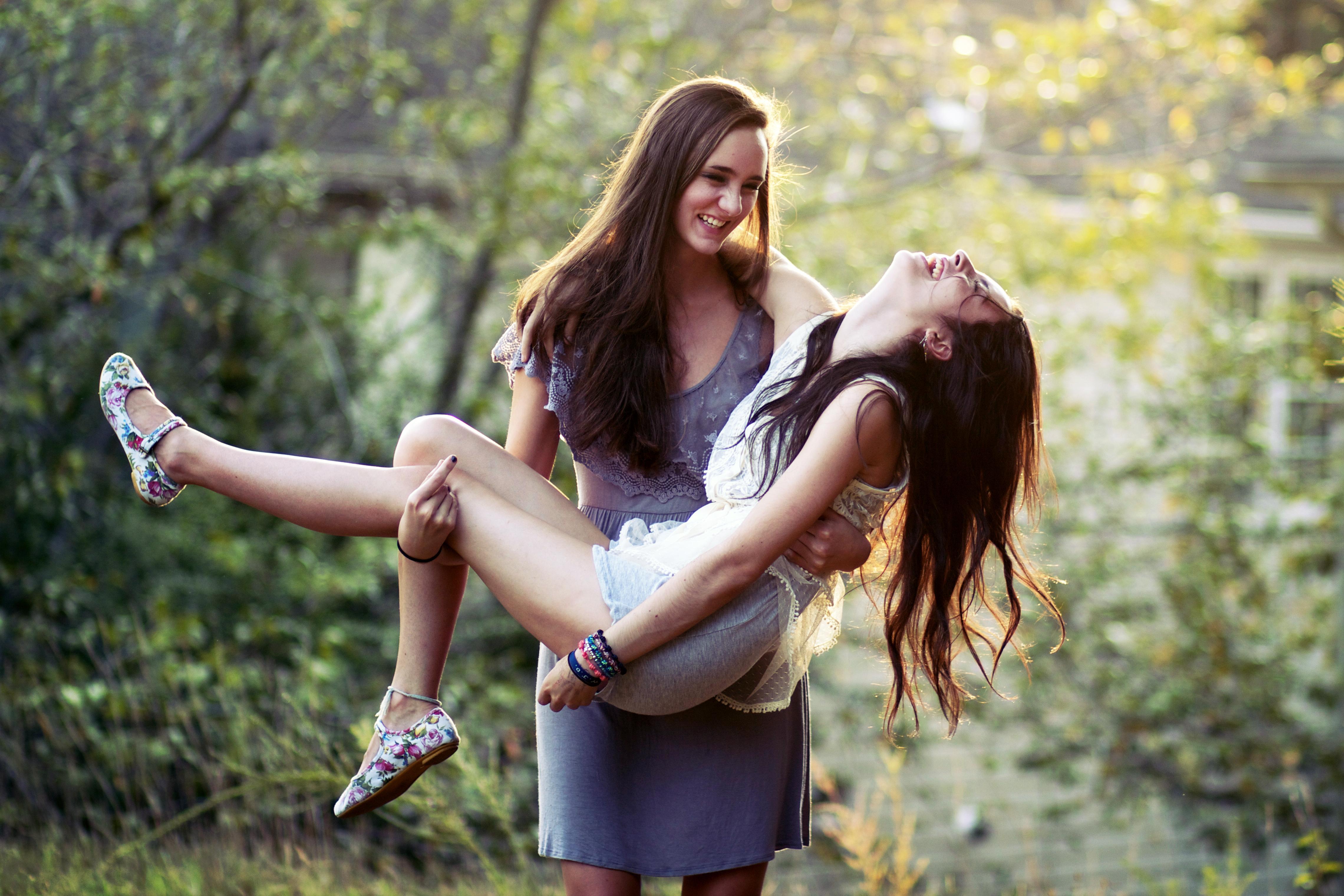 Девочки лесбиянки порно фото 25 фотография