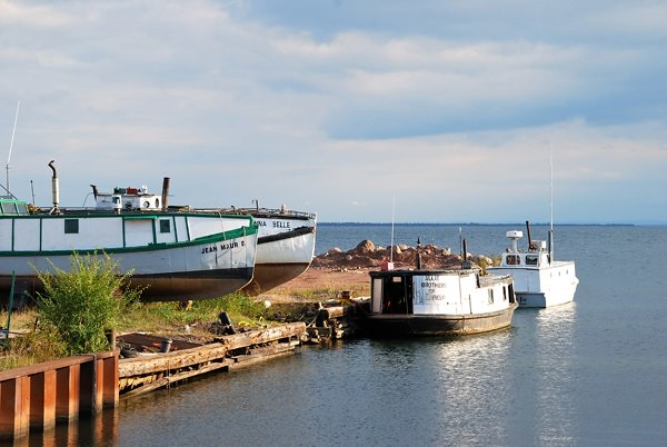Commercial fishing boats flickr photo sharing for Lake superior fishing
