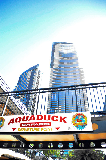 Gold Coast's Surfers Paradise: Aquaduck