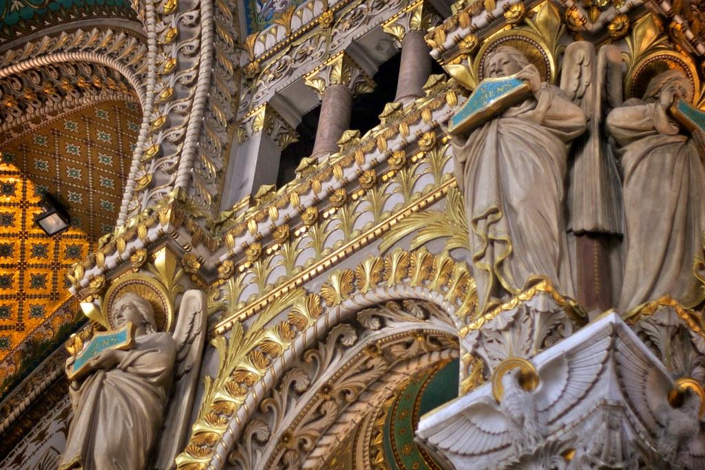 La Basilique Notre-Dame de Fourvière by Tony Bowden, on Flickr. Fuente