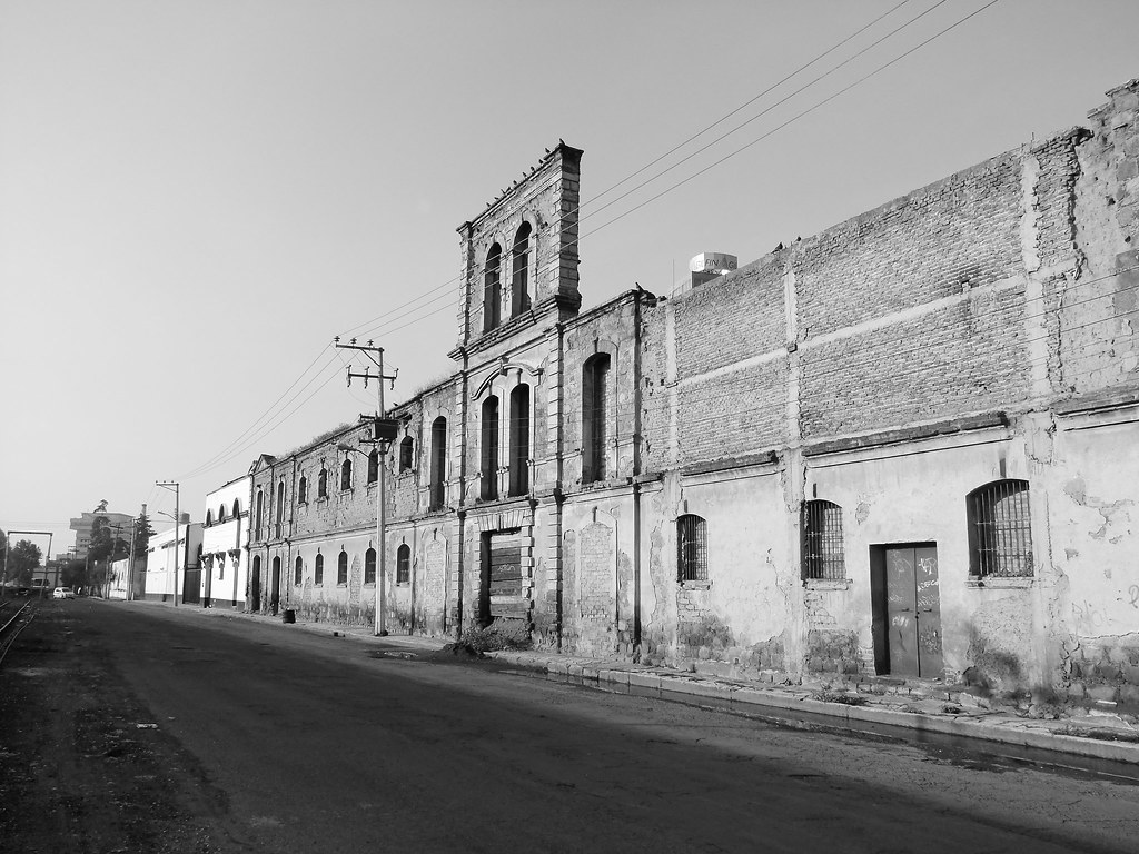 LA CALLE DE LA ESTACION DEL TREN, TOLUCA, MEXICO