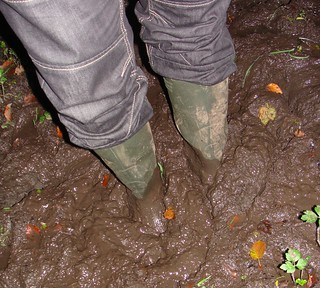 green_wellies_jeans_mud_3