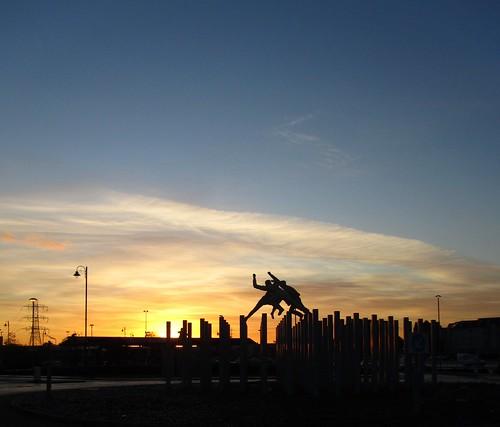 morning sculpture sunrise scotland glasgow roundabout escocia tesco szkocja schottland rutherglen scozia écosse dalmarnock 蘇格蘭 escòcia σκωτία davidannand स्कॉटलैंड bricheno scoția reelofthree