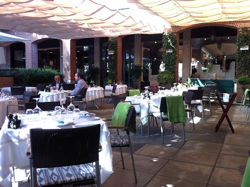 Restaurante aspen la moraleja madrid rincones secretos for Restaurantes con terraza madrid