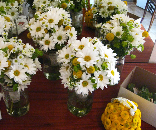 Wild daisy bouquet weddingbee Where did daisies originate