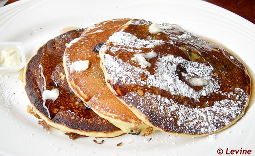 Pancakes eten bij Stage Door Deli in New York City