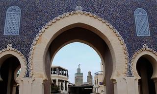 Bab Boujeloud képe. unescoworldheritagesite unesco morocco fez medina fes babboujeloud bouinaniamedersa feselbali bluegates fesmedina widgetyay sidilazzazmosque