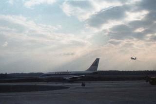 Flight to New York (1987)