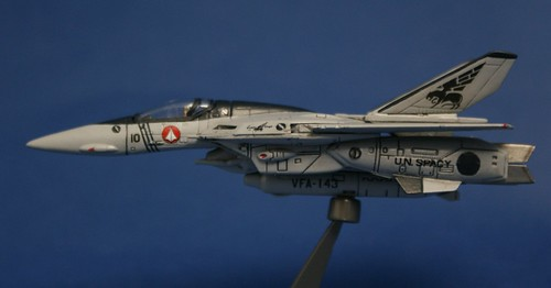 "Macross 1/144 - VF-1S Valkyrie - VFA-143 ""Pukin Dogs"" - 2"