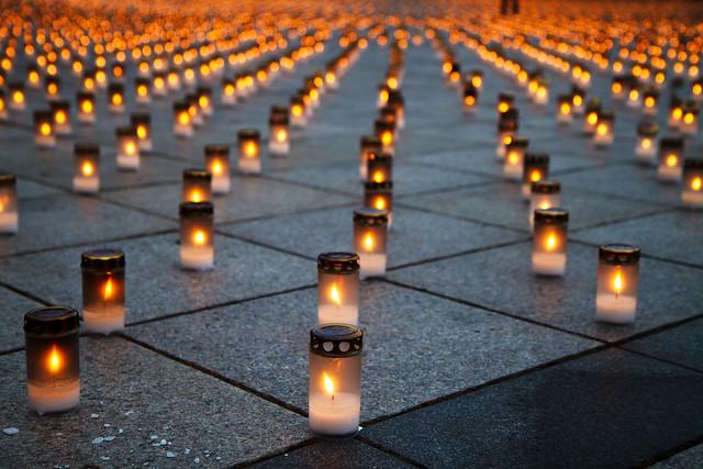 Day 324. 15 000 žvakių Katedros aikštėje