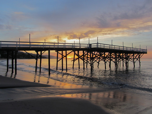 paradise cove pier at sunrise