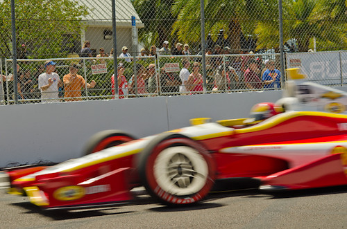 Helio Castroneves @h3lio  takes the lead at #GPSTPETE