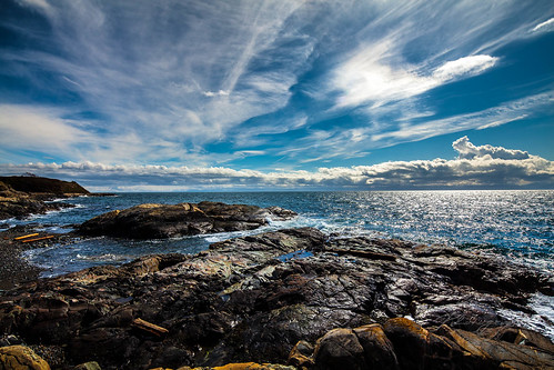 blue sky seascape canada beach water clouds landscape rocks waves bc logs victoria equipment dallasroad generalkeywords canoneos5dmarkii canontse17mmf4l