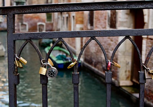 Love locks, Venice
