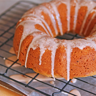 glazed pumpkin bundt cake