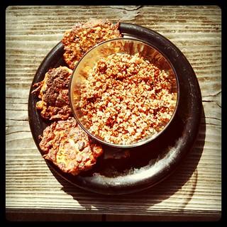 lunchtime ~ black bean vegie cakes & red quinoa ~ happy autumn!
