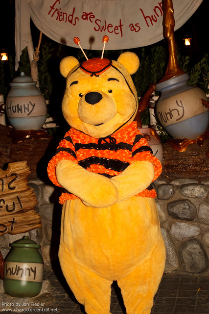 DL Oct 2011 - Meeting Winnie the Pooh