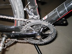 road bicycle, wheel, vehicle, sports equipment, rim, cycle sport, groupset, bicycle frame, bicycle, spoke,
