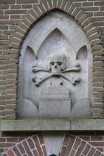 Morgue, old cemetery Doorn