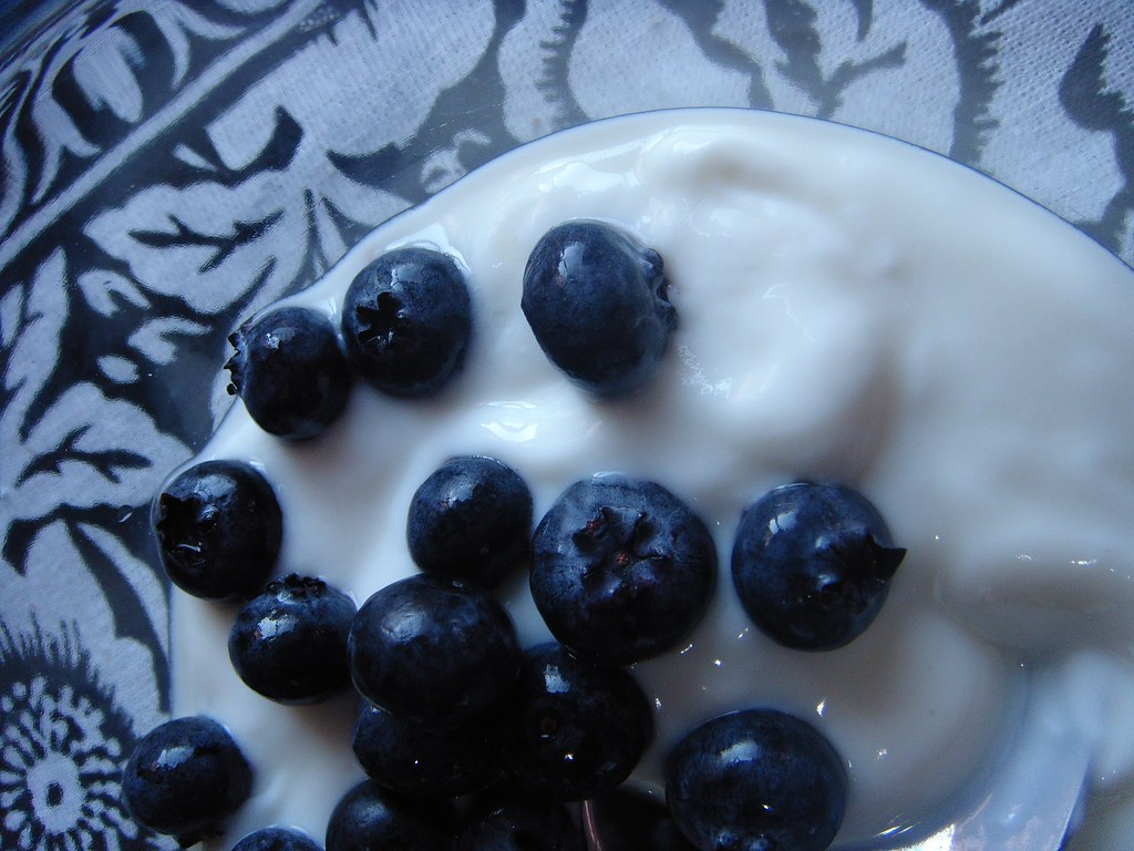Blueberries_yogurt