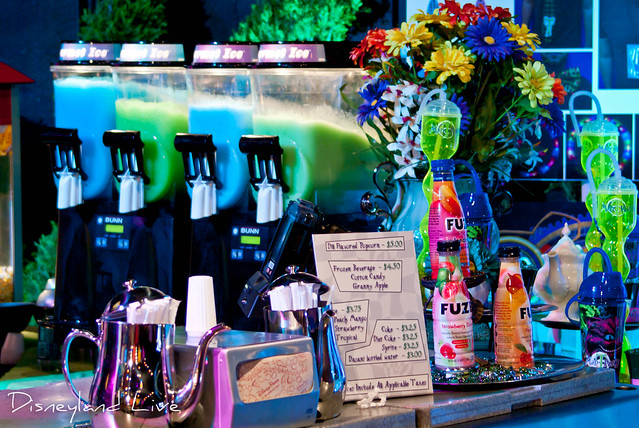 Cars Land / Buena Vista Street AP Merchandise Showcase - Mad T Party Drinks