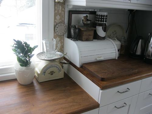 Keittiön tasot  Talossa tapahtuu  Vuodatus net