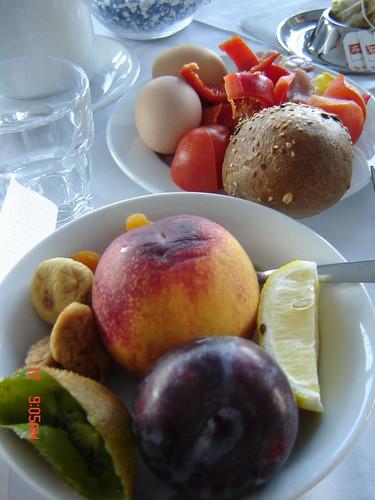 Aamiainen Krk-saarella by Anna Amnell