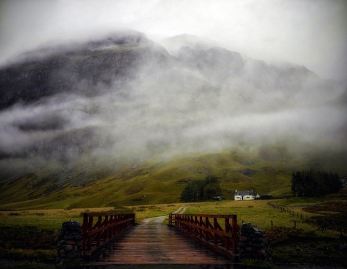 bridge house mist mountains green wet fog fleurs landscape scotland highlands whitehouse glen glencoe et paysages etive tistheseason pastfeaturedwinner kennybarker