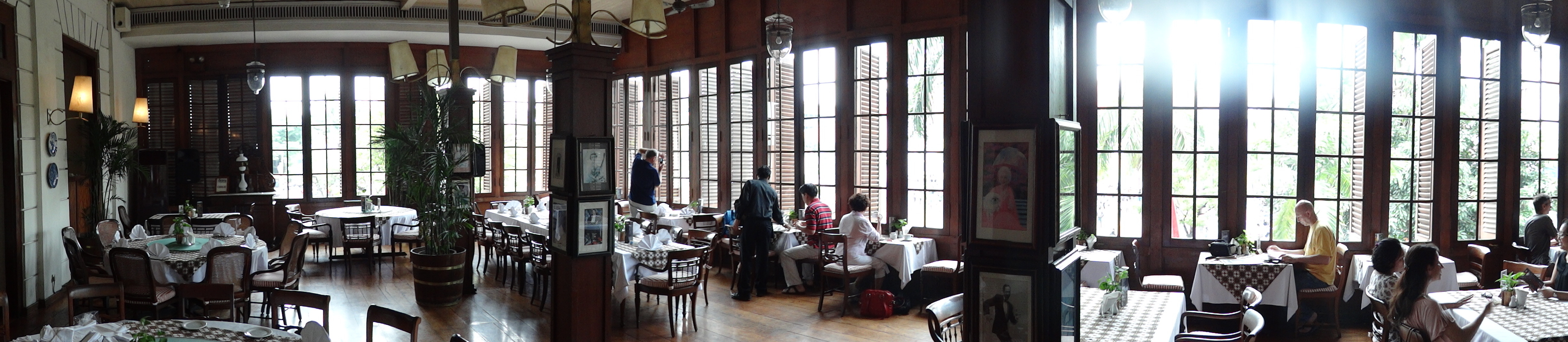 Panorama of interior cafe batavia construction