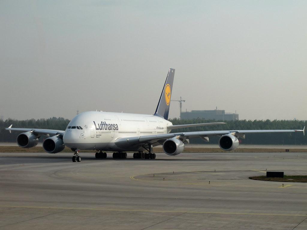 Lufthansa A380-800(D-AIMC)