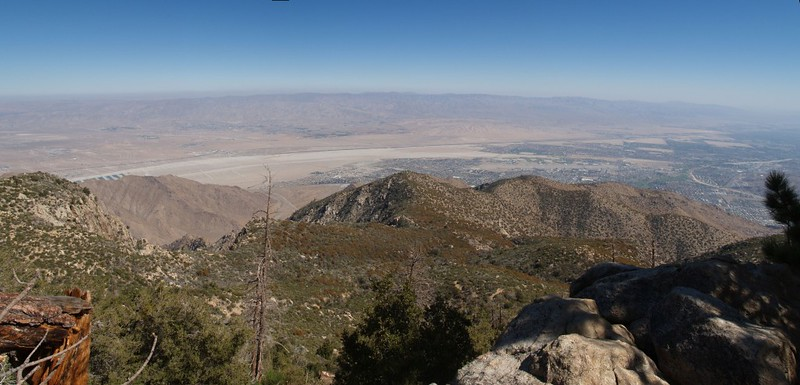 Skyline Trail 6800 feet - panorama view over the desert and the skyline ridge