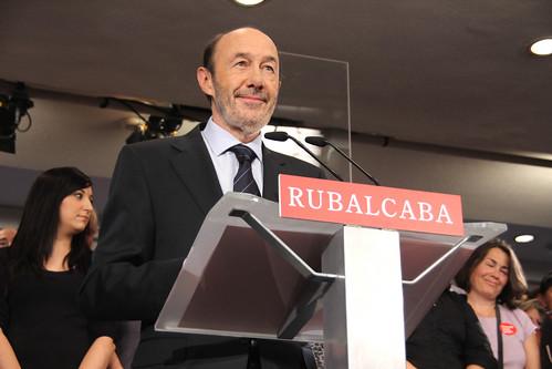 Perezu Rubalcaba en su comparecencia tras el 20N