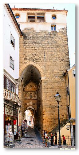 Arco e Torre de Almedina by VRfoto