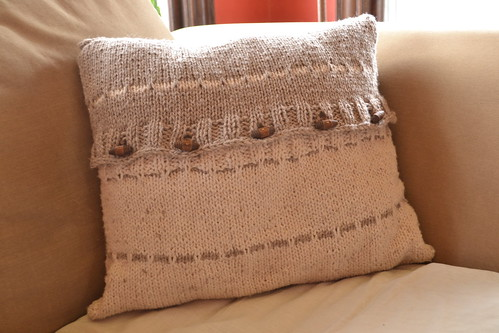 contrast knitted pillow