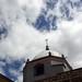 Esquina con cúpula y cielo