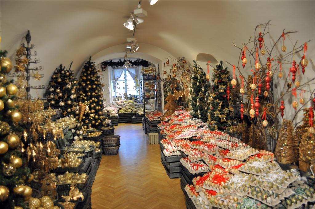 Pasillo principal de la tienda Christmas in Salzburg Christmas in Salzburg, espíritu navideño todo el año - 6332476909 96d3788834 b - Christmas in Salzburg, espíritu navideño todo el año