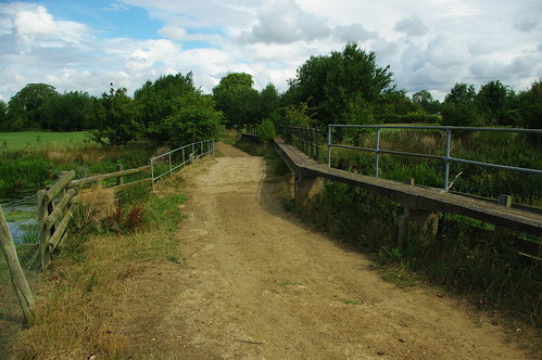 20110814-01_Track + Bridge over River Avon - Little Lawford by gary.hadden