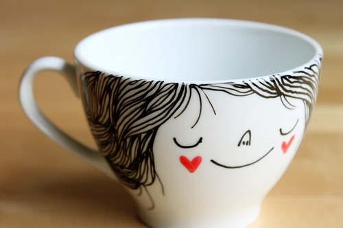 Illustrated tea/coffee cup