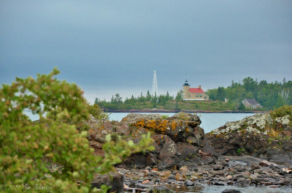 Eagle Harbor Lighthouse, Keweenaw Peninsula, Michigan  № 2240120 загрузить