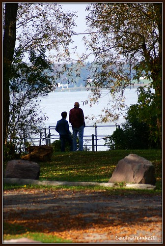 autumn bay couple view sony jimmitchell canaltowntraveler elementsorganizer
