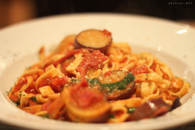 F2 - Amatriciana Fettuccine with Eggplant and Bacon ♥